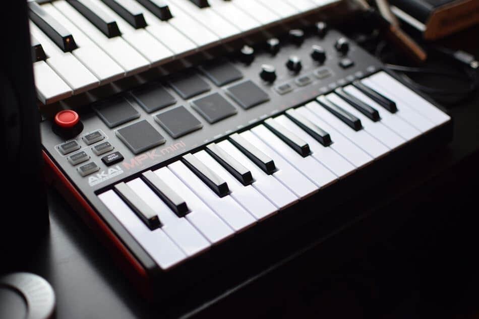 Mengenal MIDI (Musical Instrument Digital Interface)