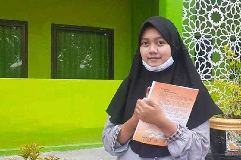 Inspirasi Mahasiswa Termuda, Ainiyah Hasna Fadhilah dari FKM UNAIR Berusia 15 Tahun