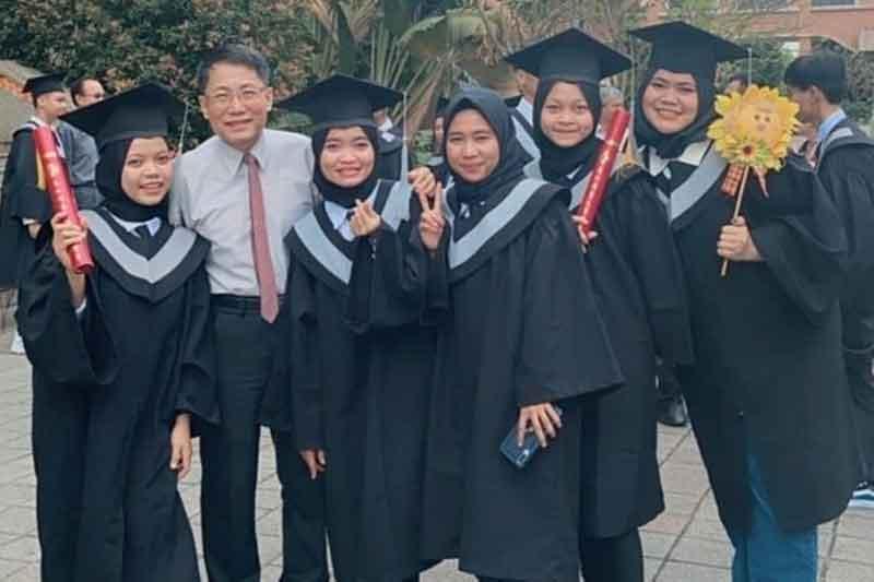 Inspirasi Pendidikan, Dian Nursiati Lulus di Meiho University Taiwan Viral di TikTok