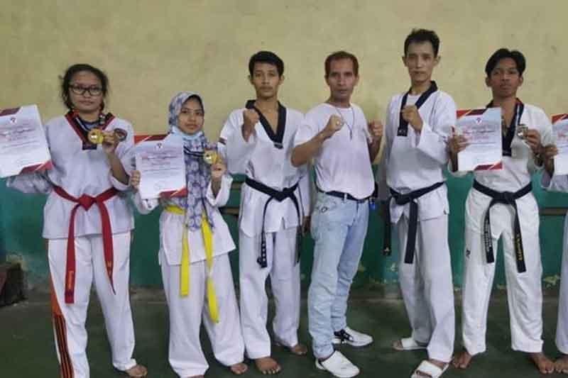 Mahasiswa Atlet Taekwondo Asal UNM Raih 7 Medali dalam Kejuaraan Taekwondo Virtual
