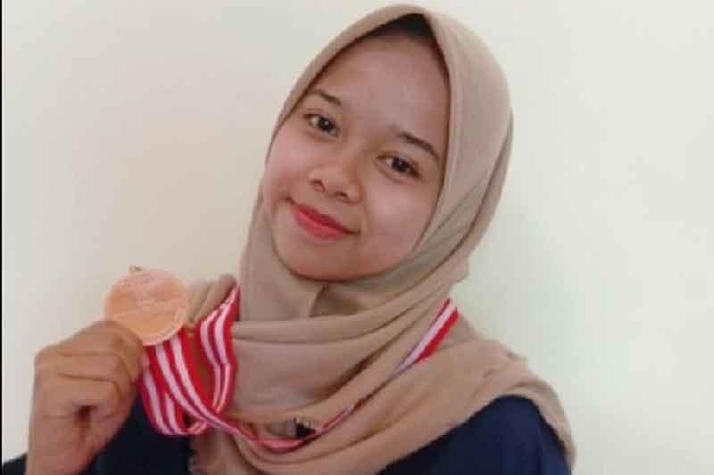 Mizza Faridatul Anifah Juara 1 Lomba Essay Nasional Constellation 2021 mahasiswa Universitas Islam Negeri Sayyid Ali Rahmatullah (UIN SATU) Tulungagung